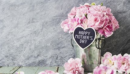 10 Simple Ways to Show Mom You Care