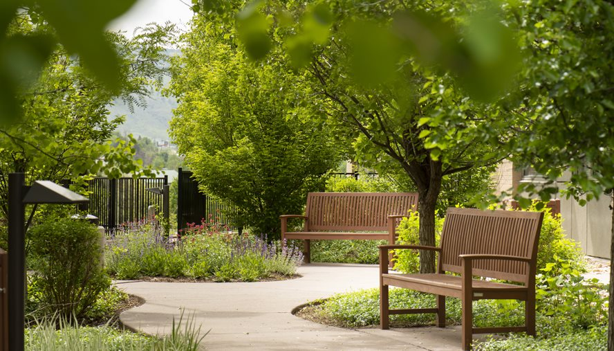 Patients can enjoy our private healing garden while they receive<br>chemotherapy.