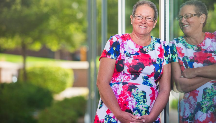 Lung cancer treatment designed just for her genes gave Lou Ann Langley a reason to smile.